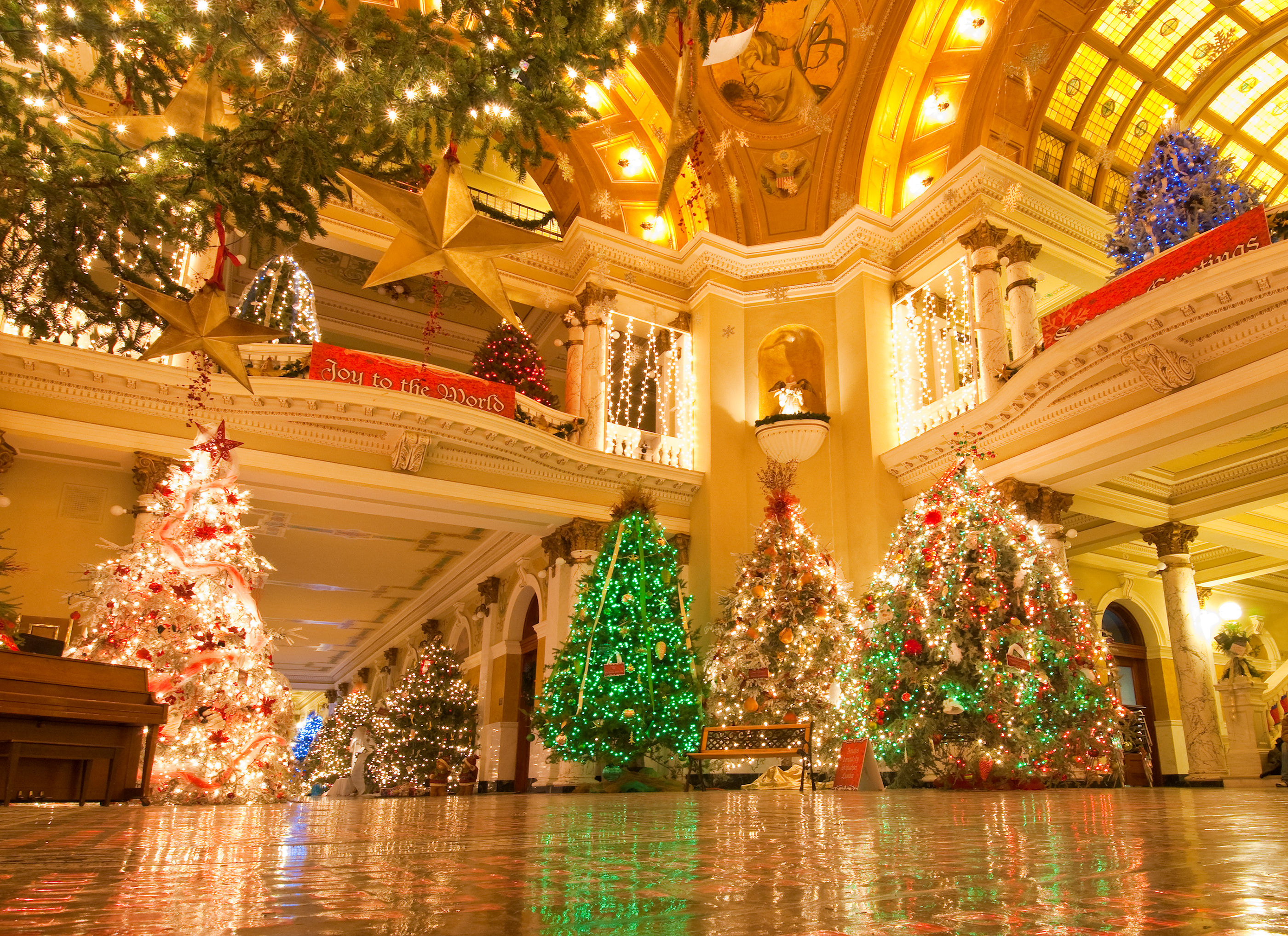 Christmas at the Capitol - South Dakota - Travel & Tourism Site