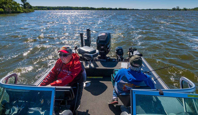 Fishing, Oakwood Lakes State Park