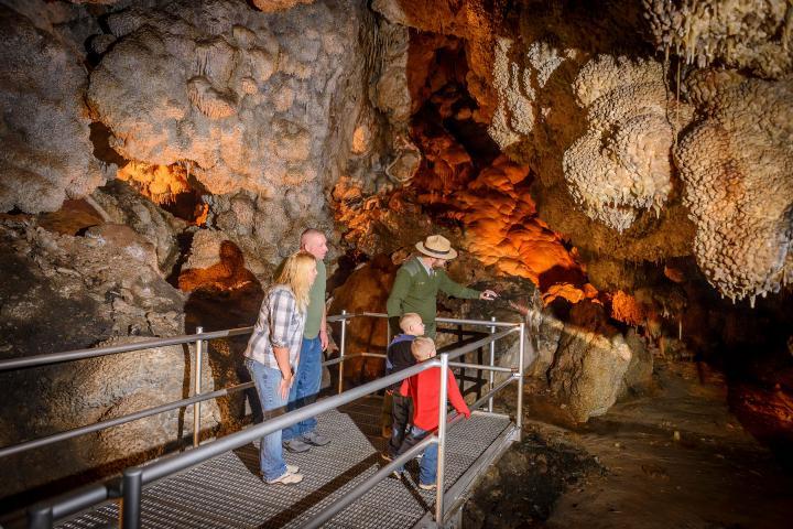 Scenic Tour Jewel Cave National Monument South Dakota